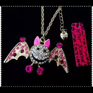 BETSEY JOHNSON ~Pink Bat Necklace